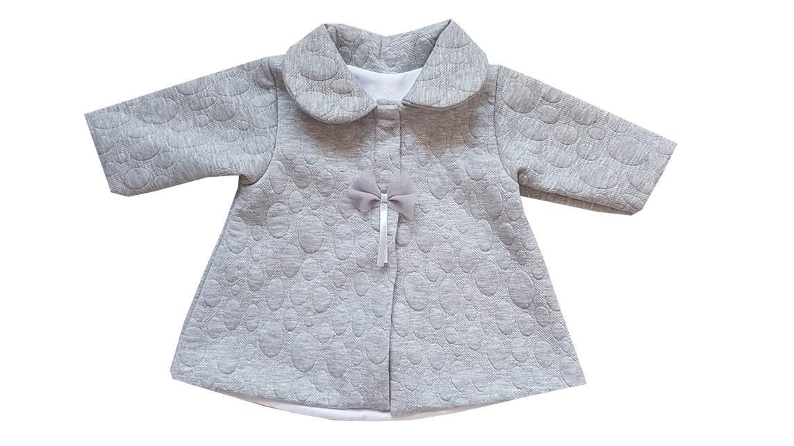 159b62c04c9 Elegantní jarní kabátek s 3D vzorem - šedý